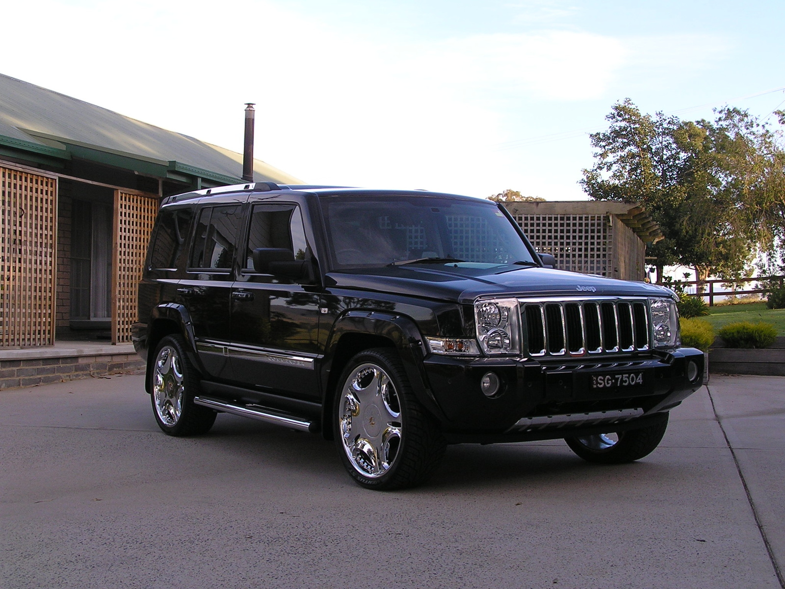 2007 jeep commander exterior colors. Black Bedroom Furniture Sets. Home Design Ideas