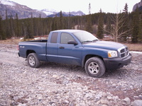 2005 Dodge Dakota Overview