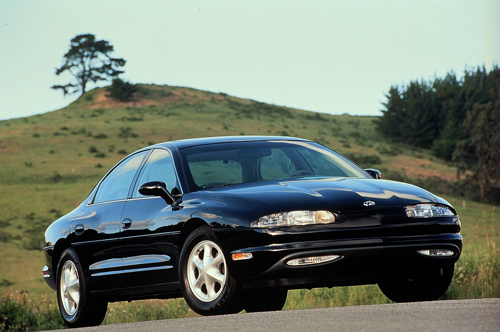 1999 Oldsmobile Aurora 4 Dr STD Sedan picture