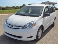 2008 Toyota Sienna Picture Gallery