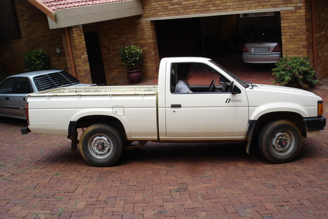 Picture of 1994 Nissan Pickup 2 Dr STD Standard Cab SB, exterior