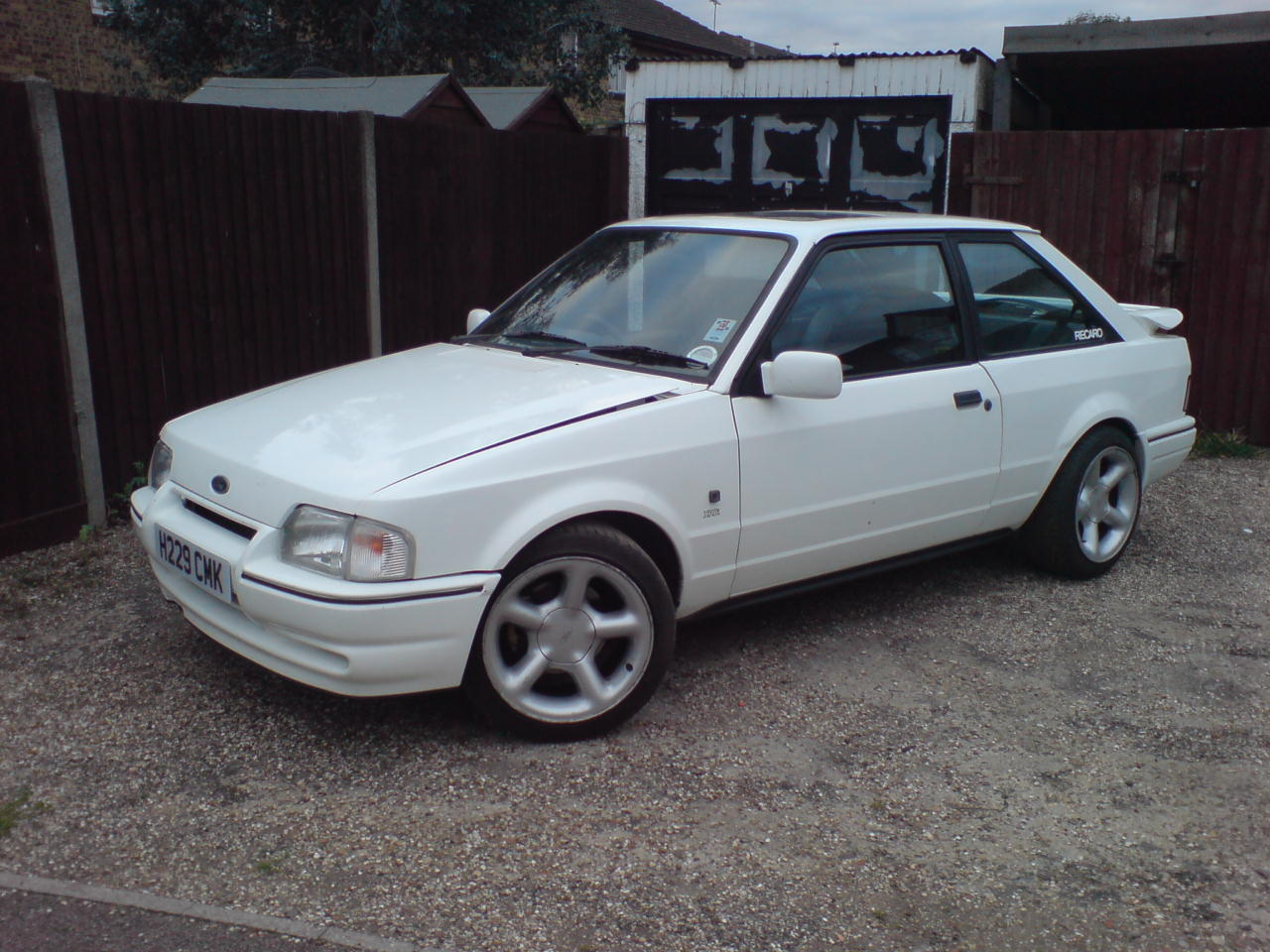 Pictures of ford escort