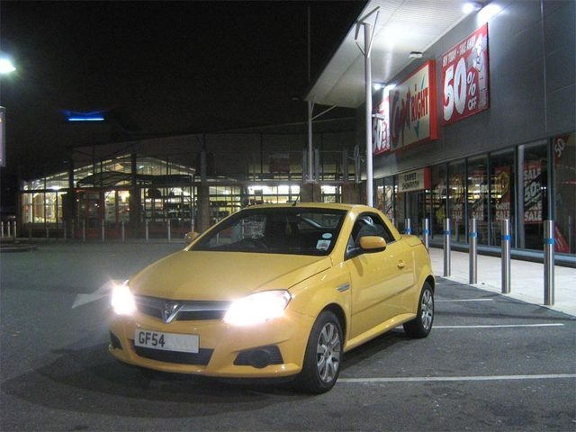 Picture of 2004 Vauxhall Tigra
