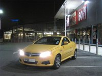 2004 Vauxhall Tigra Overview