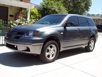2005 Mitsubishi Outlander XLS AWD picture