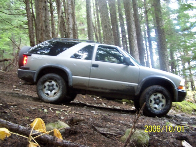 Picture of 2005 Chevrolet Blazer 2 Door LS