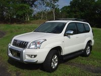 2004 Toyota Land Cruiser Picture Gallery