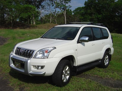 2004 Toyota Land Cruiser 4 Dr STD 4WD SUV picture