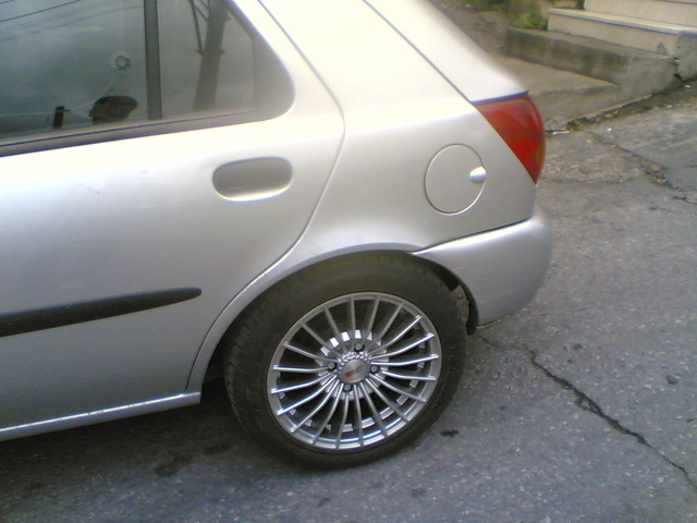 Picture of 1999 Ford Fiesta