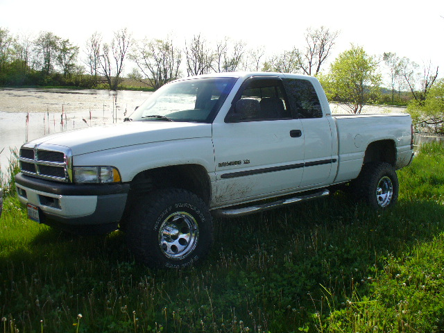 Picture of 2000 Dodge Ram Pickup 1500 4 Dr SLT 4WD Extended Cab SB