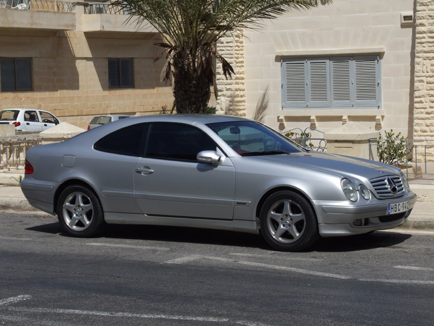 2003 Mercedes-Benz CLK320 picture