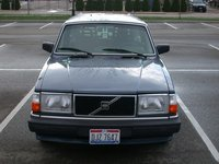 1990 Volvo 245 Overview