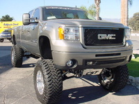 2007 GMC Sierra 2500HD 4 Dr SLT Crew Cab Long Bed 4WD picture