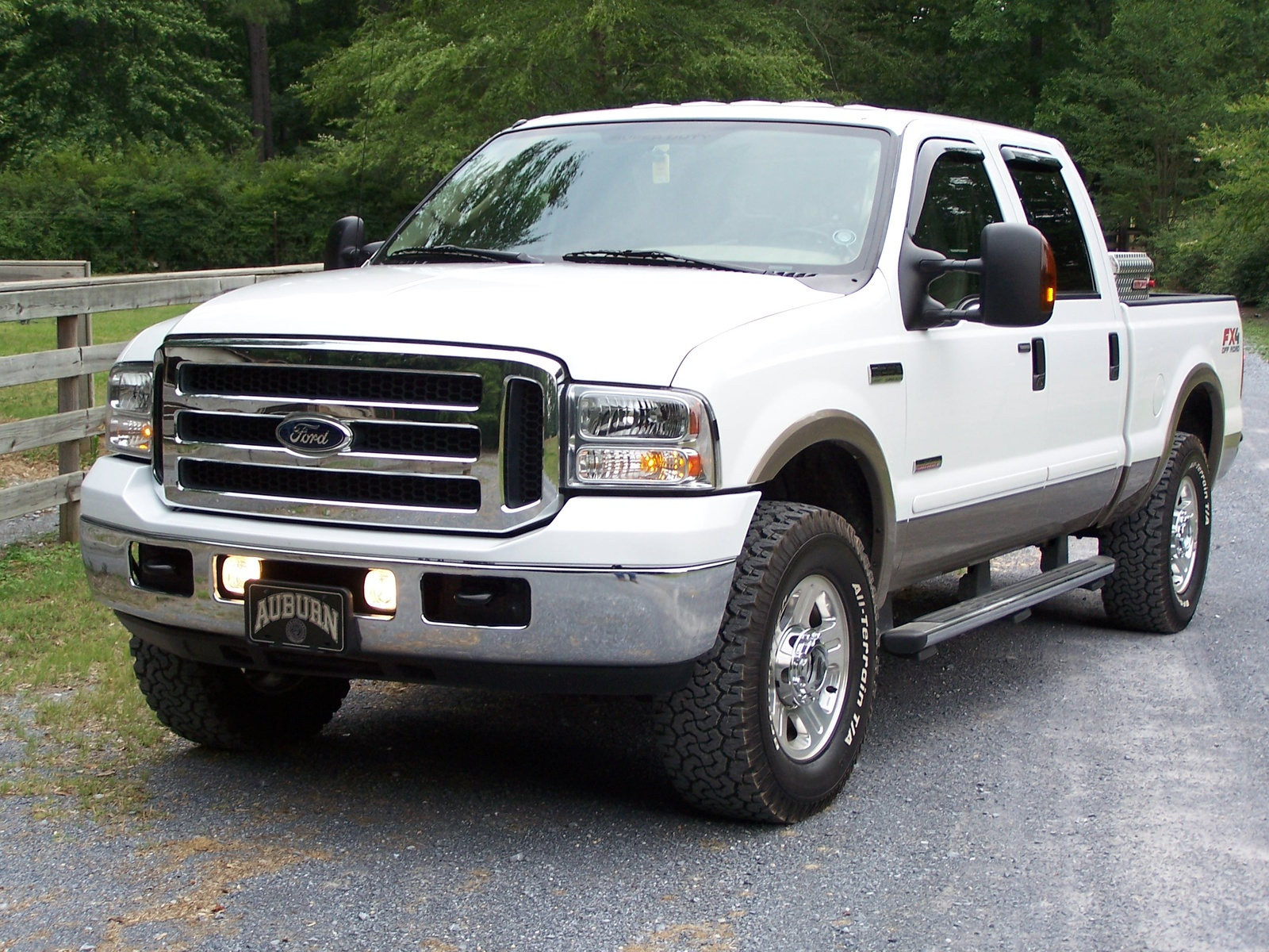 2006 Ford F-250 Super Duty Lariat 4dr SuperCab 4WD SB picture