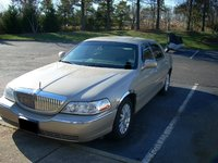 2004 Lincoln Town Car Picture Gallery