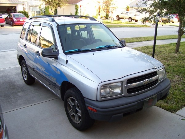 2002 chevrolet tracker - overview