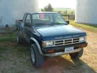 Picture of 1990 Nissan Truck