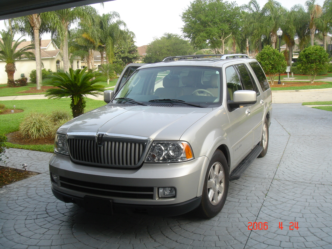 2005 lincoln navigator exterior pictures cargurus. Black Bedroom Furniture Sets. Home Design Ideas