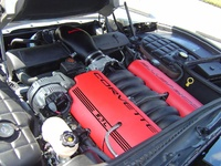 2000 Chevrolet Corvette Convertible picture, engine