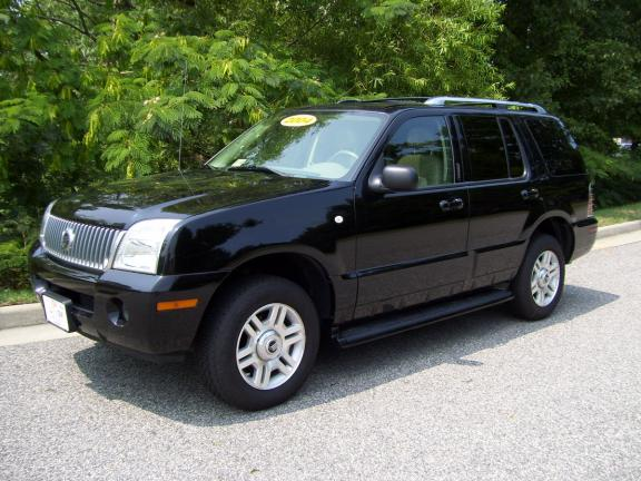 2004 Mercury Mountaineer 4 Dr STD AWD SUV picture