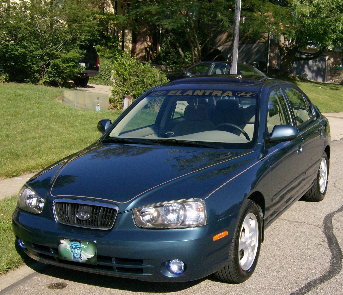 2003 Hyundai Sonata Interior: 2003 Hyundai Elantra