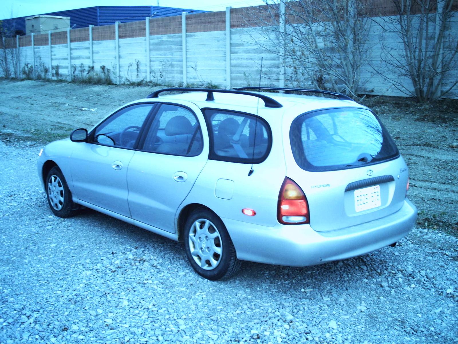 Hyundai Elantra Dr Std Wagon Pic on 1992 Hyundai Scoupe