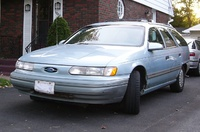 1993 Ford Taurus Overview