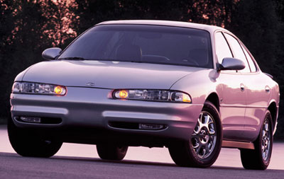 2001 Oldsmobile Intrigue 4 Dr GL Sedan picture