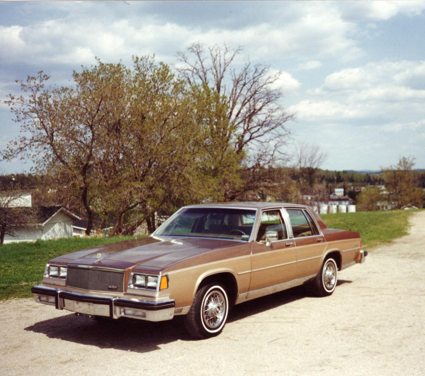 1995 Buick Roadmaster Interior: 1985 Buick LeSabre