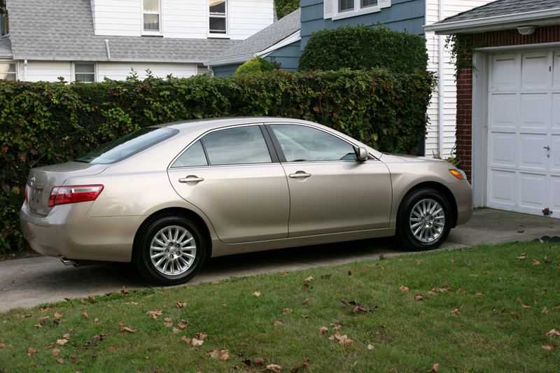2008 toyota camry le v6 review. Black Bedroom Furniture Sets. Home Design Ideas