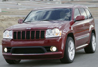 Foto de un 2006 Jeep Grand Cherokee SRT8 4WD, exterior, gallery_worthy
