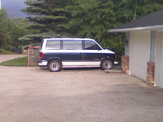 Picture of 1990 GMC Safari 3 Dr SLE Passenger Van, gallery_worthy