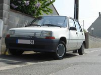 1994 Renault 5 Picture Gallery