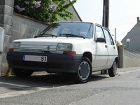 1994 Renault 5 Overview