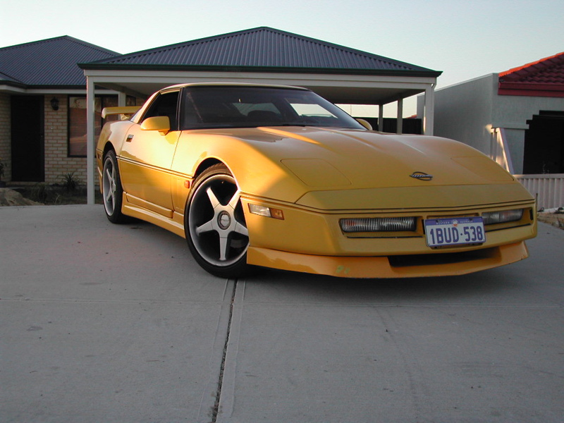 new autocars news  1988 chevrolet corvette coupe