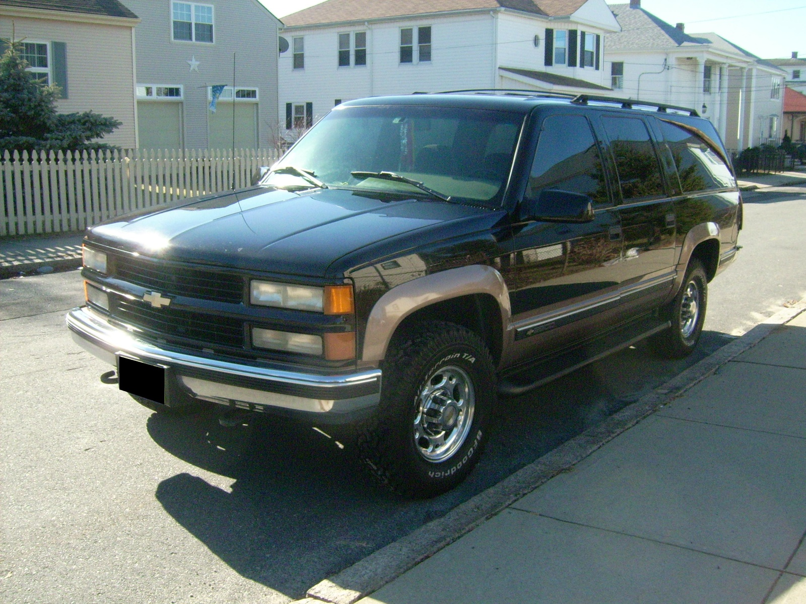 1996 Chevrolet Suburban 4 Dr K2500 4WD SUV picture, exterior