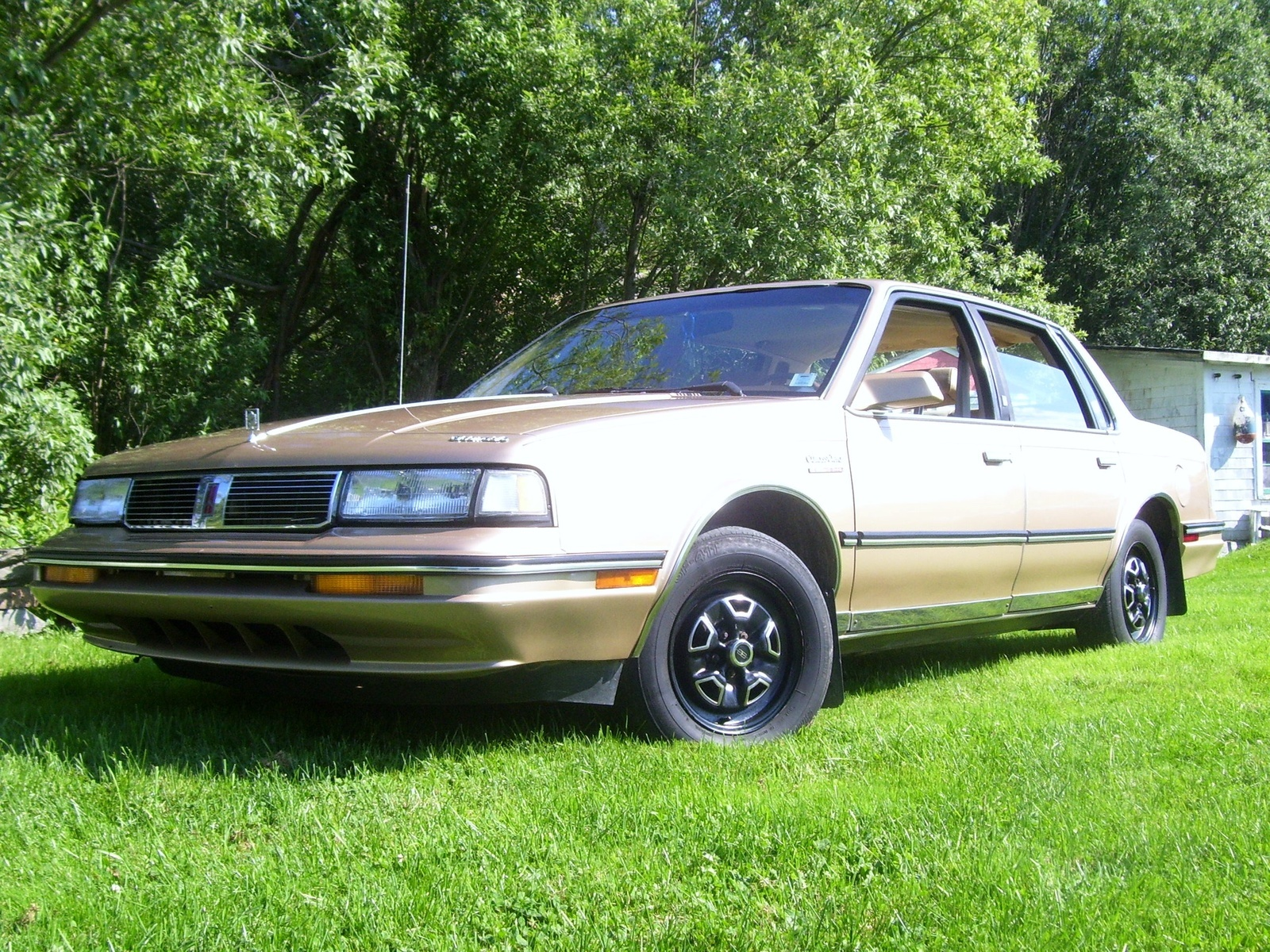 1990 Oldsmobile Cutlass Ciera Overview Cargurus