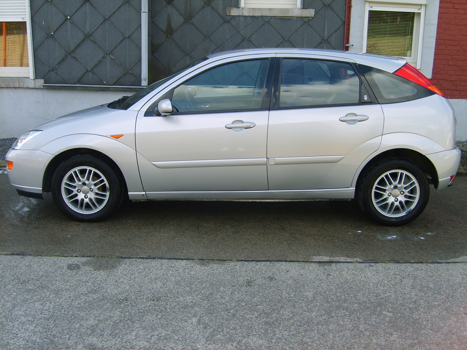 2003 Ford Focus Pictures C129 pi11716800 also Auto Oldtimer P70 Stare Samochody 962404 further 2008 Ford Fusion Sel Pictures T31686 pi14822067 likewise Novo Ford Ka Problemas Na Embreagem besides 9006069. on ford tempo car