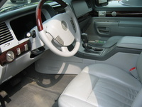 2005 Lincoln Aviator picture, interior