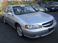 2001 Nissan Altima Overview