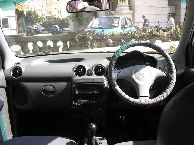Picture of 2001 Hyundai Santro, interior
