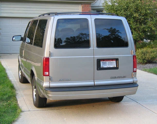 2002 Chevrolet Astro