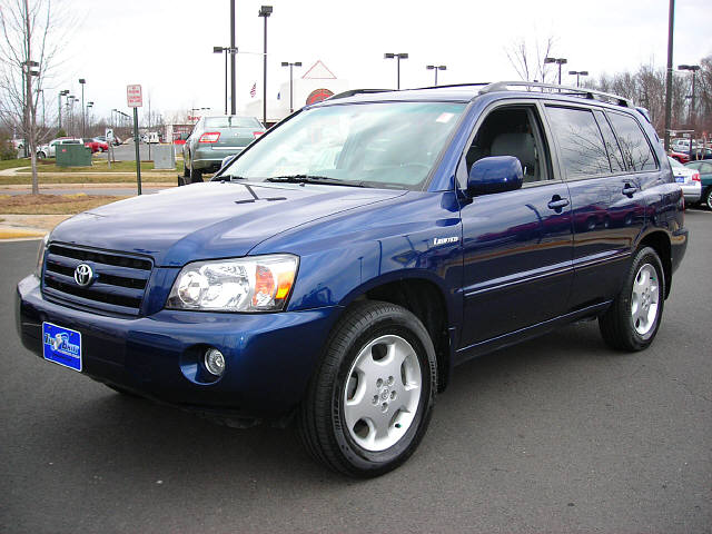 2004 Toyota Highlander Limited V6 picture