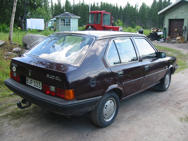 Picture of 1984 Volvo 340