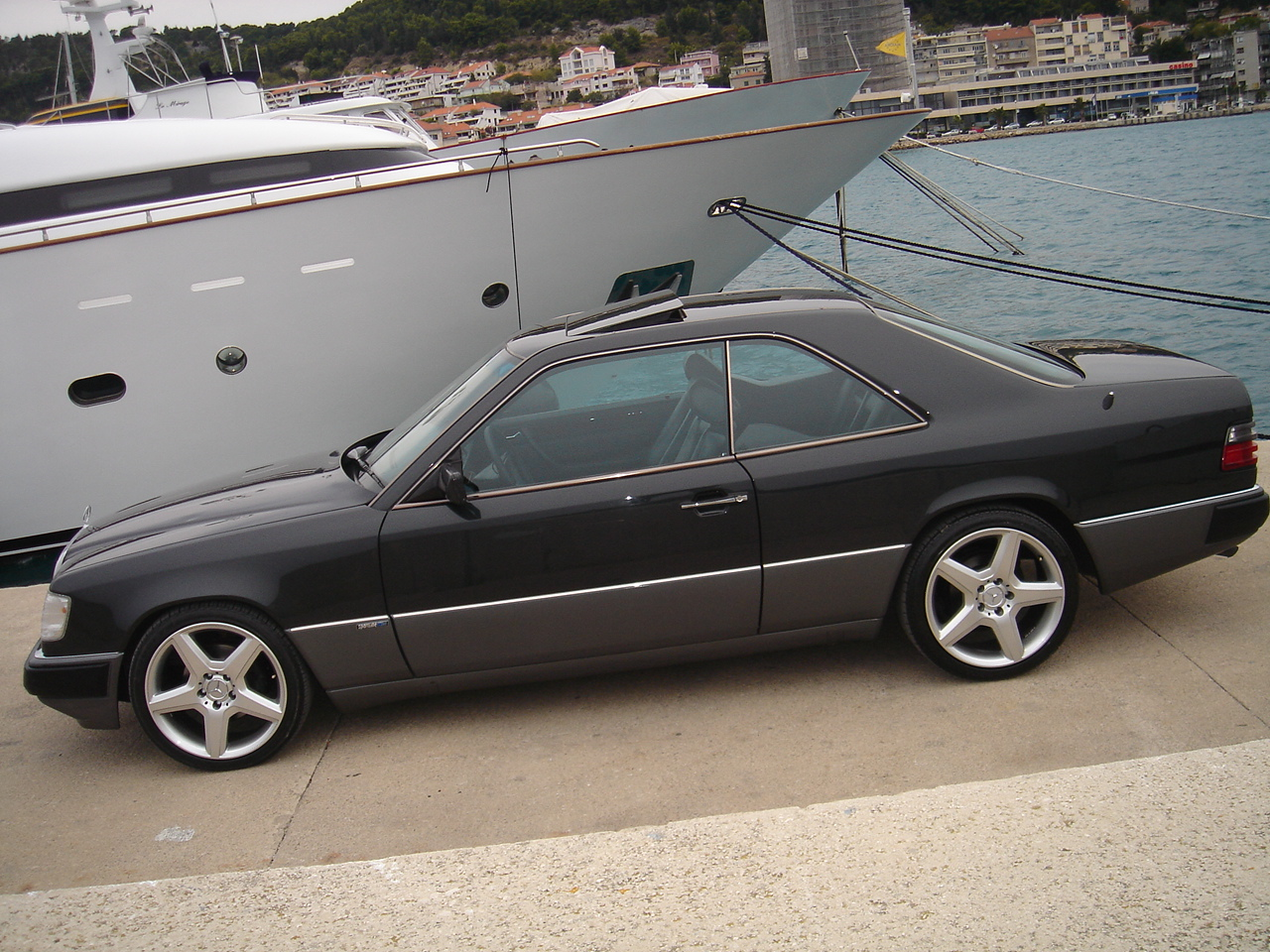1990 mercedes benz 300 class pictures cargurus for How much is a 1990 mercedes benz worth