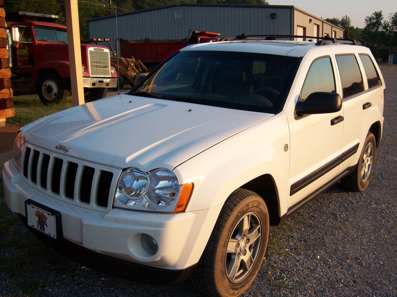 2004 Jeep Grand Cherokee Laredo 4WD picture