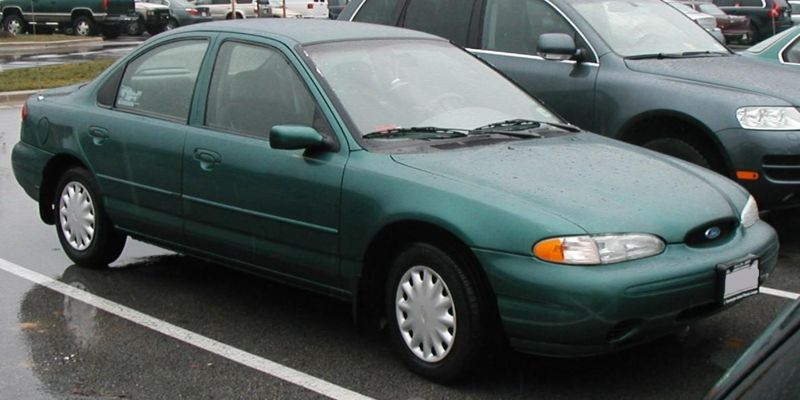 1995 Ford Contour 4 Dr LX Sedan picture