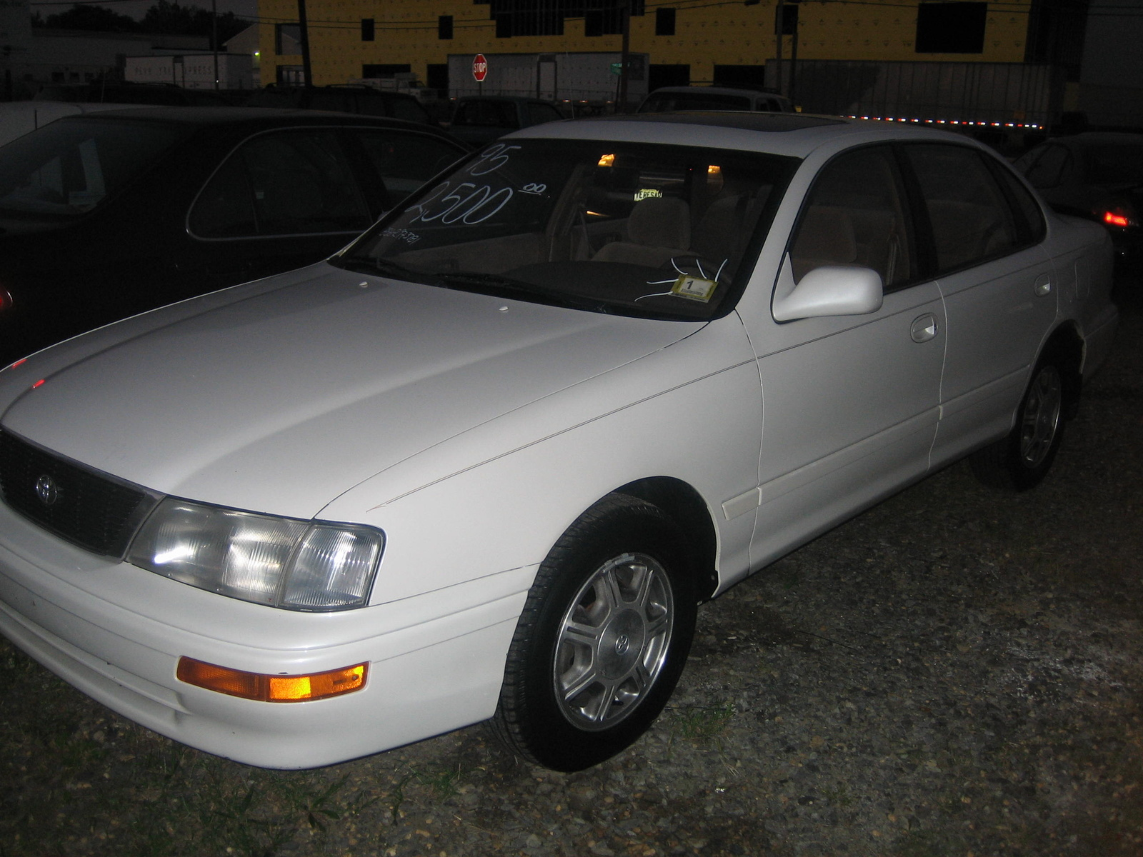 1995 Toyota Avalon 4 Dr XL Sedan picture, exterior