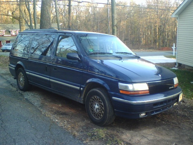 Picture of 1995 Chrysler Town & Country