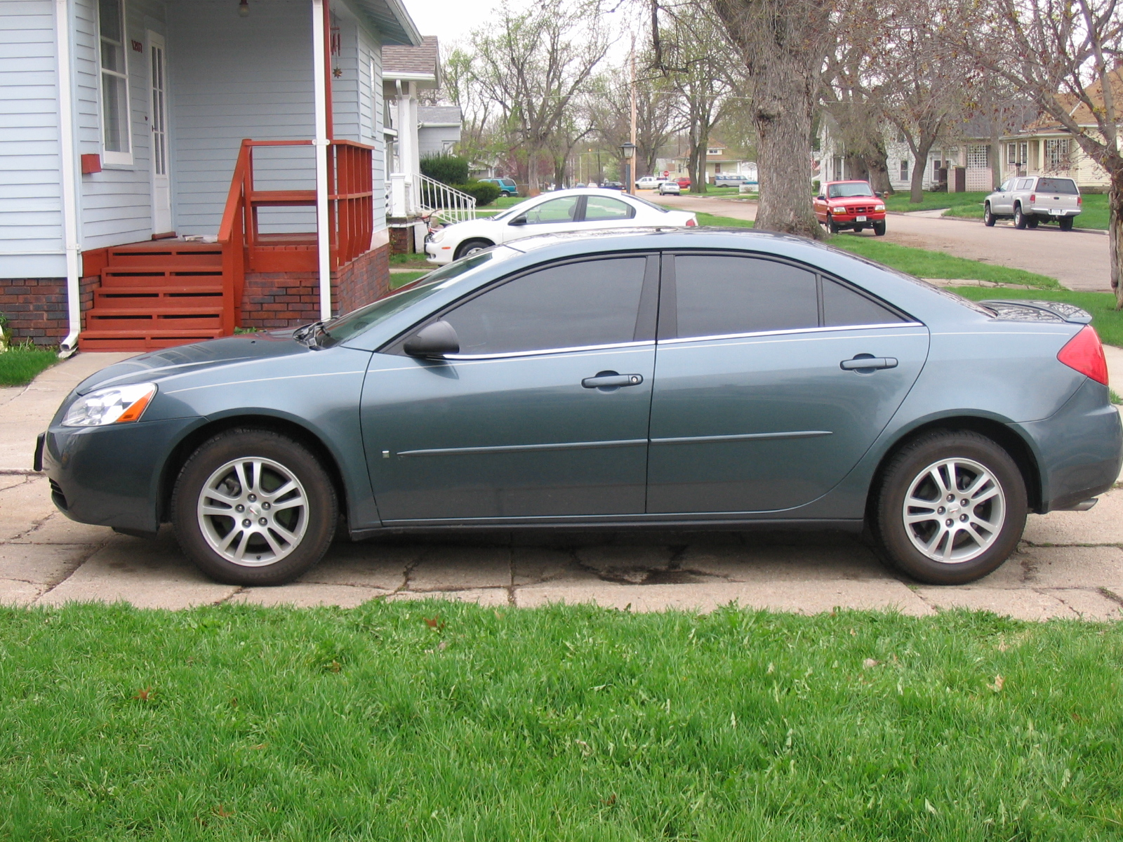 picture of 2006 pontiac g6 base v6 exterior. Black Bedroom Furniture Sets. Home Design Ideas
